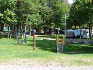 Terrain de jeux - Domaine Lac Louise Camping